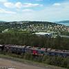 Taraldsvik midt på. I forgrunnen en olivinlast på vei tilbake til LKAB i Kiruna.