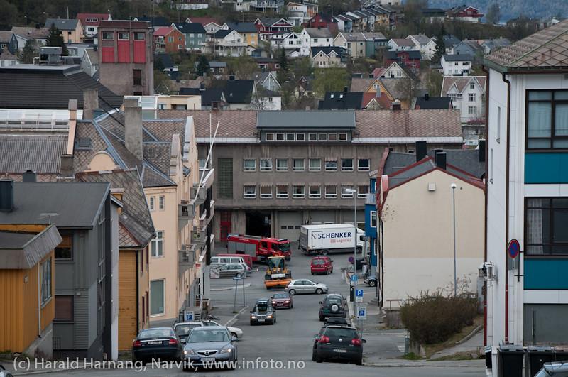 16.5.2011: Fra Tore Hundsgate ned mot Brannstasjonen.