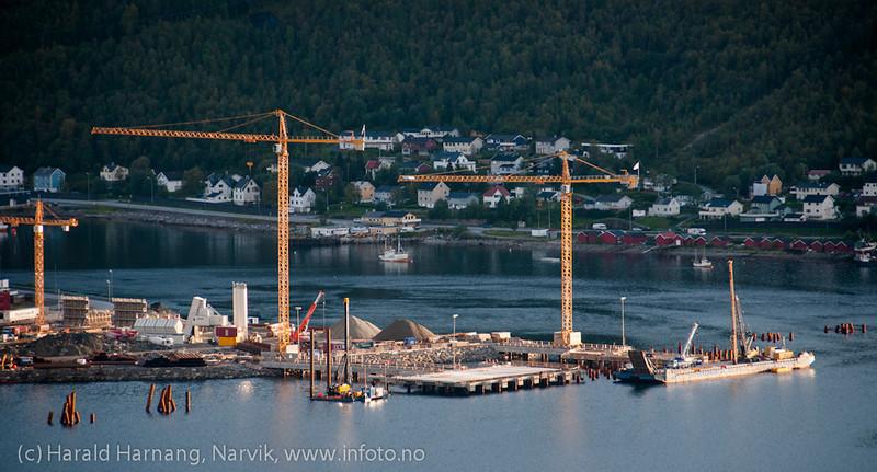 Utskipningskai for Northland Ressourses på Fagernes. foto 9 sept. 2012.