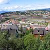 Narvik sentrum. I midten LKABs losseanlegg for malmvogner, og til venstre deler av utskipingsanlegget.