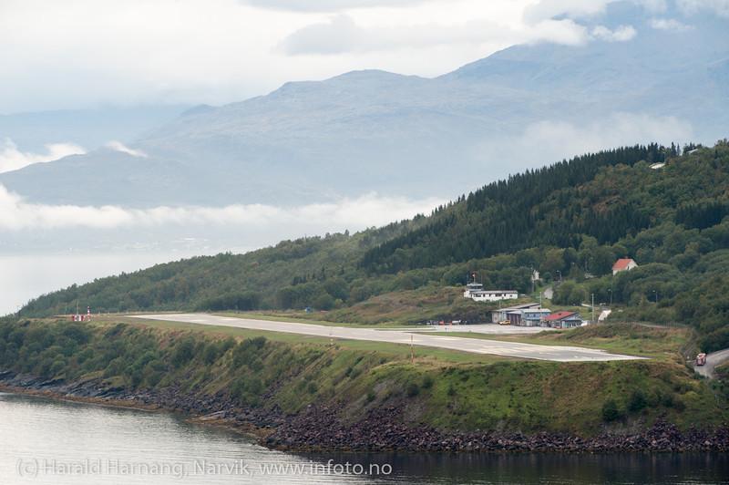 Narvik flyplass. Foto fra Ankenes. 5. sept 2013.