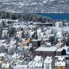 Etter snøfall: Frydenlund med Narvik Kirke i midten, formiddag 24. mars 2016 - før sola får tint av alle takene.