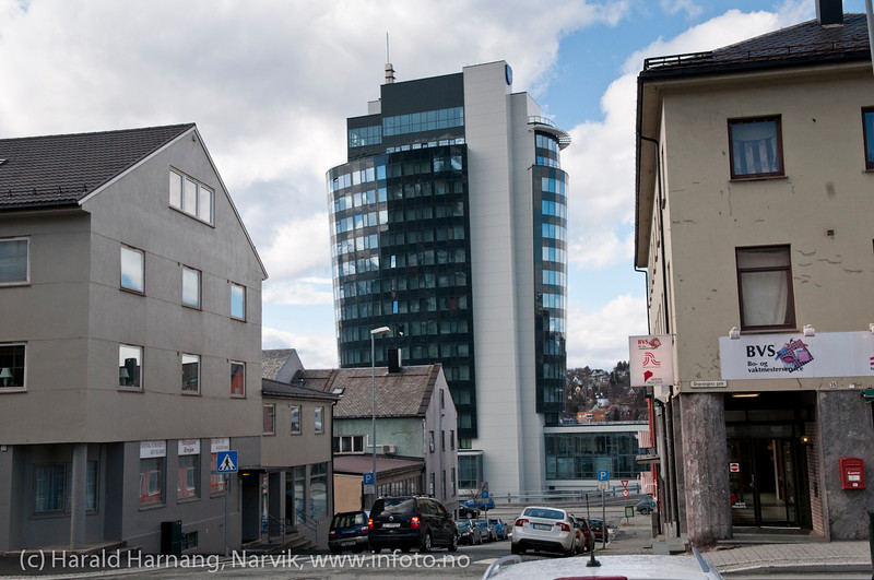 Old and new: The sentre of Narvik was rebuildt after world war II bombings, in a 1946-style. The new Rica Hotel, finishet april 2012, 16. floor, is pointing in a new direction.