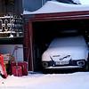 Igjensnødd bil, selv inni garasjen. Fjellveien. 3. juledag 2014. Snevær på natta. Mørketid og en julestille by.