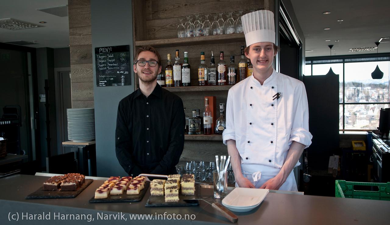 Servitør og kokk, Rica hotel, 16. etg, restaurant på toppen.