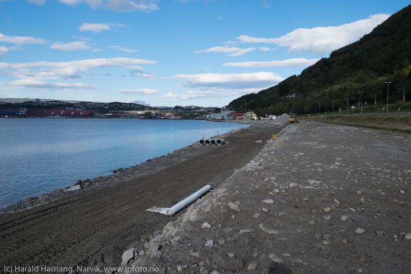 Utfylling av fjæra på Fagernes, 13. sept 2015