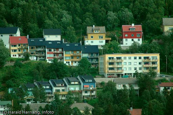 Søndre del av Oskarsborg bydel, Hagebakken med rekkehus.