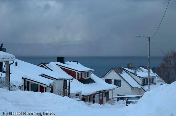 Snebyger over Herjangen. Fra en snevinter. Gate: Terrassen.