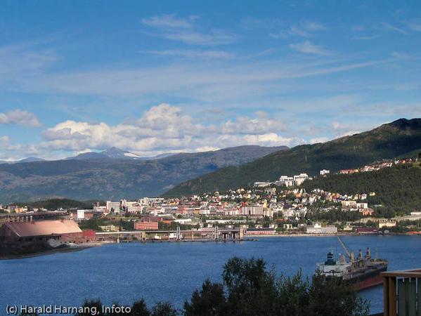 Narvik sentrum sett fra Ankenesstrand.