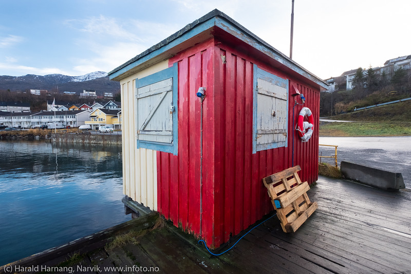 Lite hus på Vassvik-kaia.