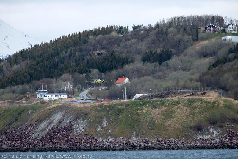Take off. Ambulansefly på Narvik lufthavn Framnes. 13. mai 2016.