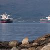 Malmskip venter på last utenfor spissen av Øyjord