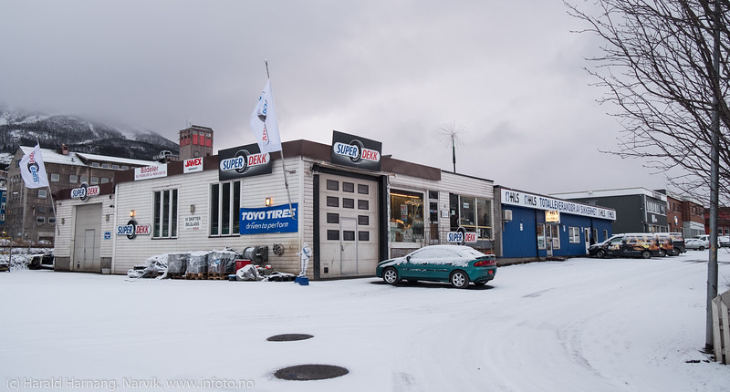Industriveien 20 og 18 på Frydenlund. Foto 25. november 2018.