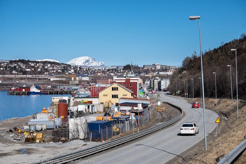 Holmlunds anlegg nærmest. Fagernesområdet rett sør for Havnens hus-.