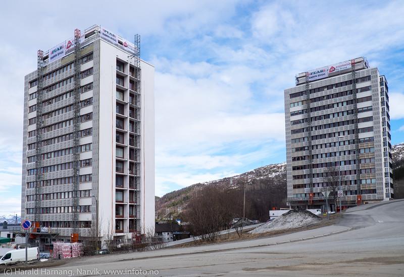 Tøtta 1 og Tøtta to, boligblokker som er under restaureing, 15. april 2016.