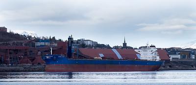Bulkskipet Anangel Vogour, gr, er første skip som tester Kai 7. Det er denne gang kun snakk om å teste systemene som holder skipet til kai. Søndag 3. april 2016. Anangel Vigour er på 18 000 dwt, 292 m x 45 m, og bygget i 2012.