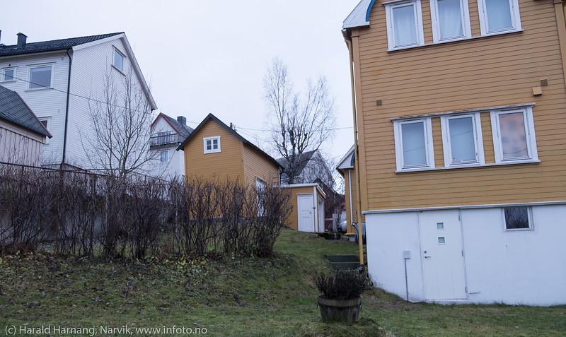 Det er ikke mange igjen av de klassiske førkrigs uthusene som var i alle bakgårder (med do og lagerplass).