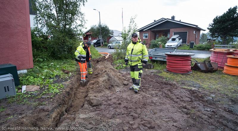 Fiberkabel legges i Narvik 21. august 2018