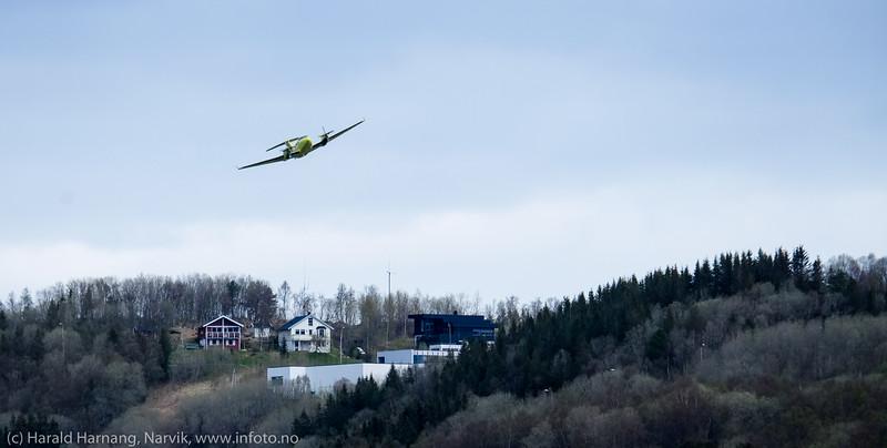 Ambulansefly på Narvik lufthavn Framnes. 13. mai 2016.