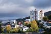 Lav høstsol over tre høyhus på Oscarsborg,