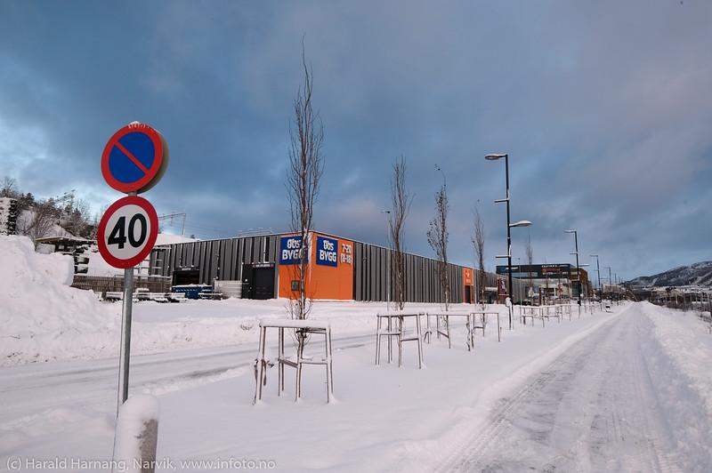 Malmporten handelspark, trinn 3, med Obs Bygg og bilrekvisitaforretning. Foto 22. januar 2020.