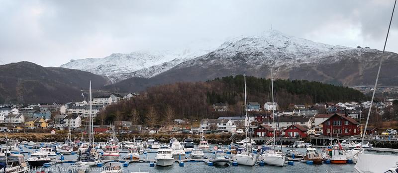 Småbåthavna i Vassvik og Gulbransons park