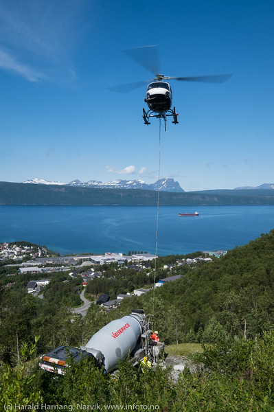 Helikoptertransport av betong, 18. juli 2019