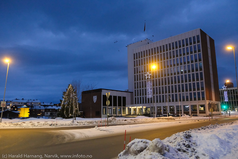 Narvik sentrum og rådhuset