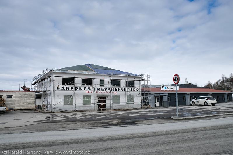 Foshaugs trevarefabrikk, nedlagt
