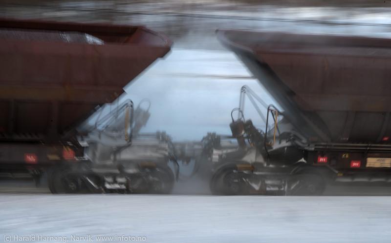 Malmtog på vei inn mot Narvik stasjon, 29. januar 2020