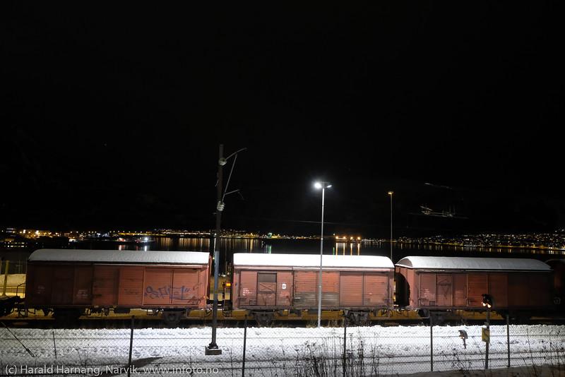 Jernbanemateriell oppstilt nedenfor Nordkraft arena.