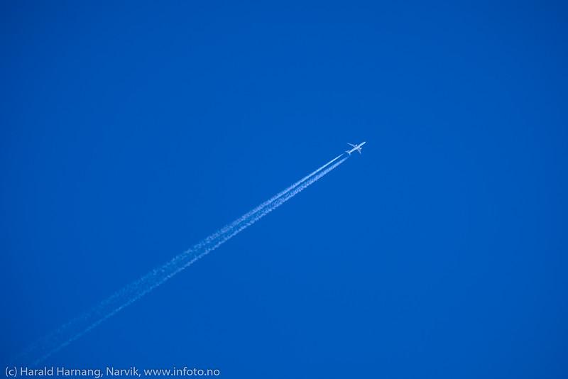 Japan Airlines på vei fra Tokyo til London, her 36 000 fot rett over Narvik 3. mars kl 12:46.