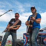 Jerrod Niemann performed for race fans before the start of the Quaker State 400.