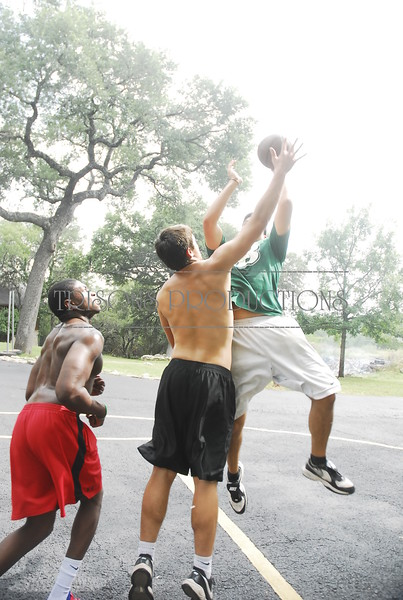 Brad, Mason, Kevin, Geoff shoot hoop out front 07-28-12
