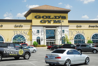 Nasis boys and Paige get their workout at Golds Gym 08-08-12