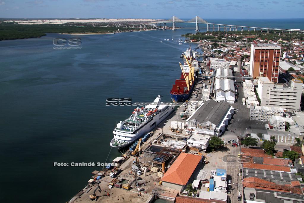Cais do Porto e ponte Newton Navarro
