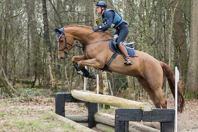 ID16622Rider: Willemijn van DijkhuizenHorse: EsijamboEvent: SGW Alphen-ChaamDate: 26 maart 2017Discipline: Eventing - Cross CountryLevel: B paardenLocation: ChaamCountry: The Netherlands