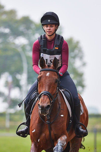 Karlijn van Roy (NED)