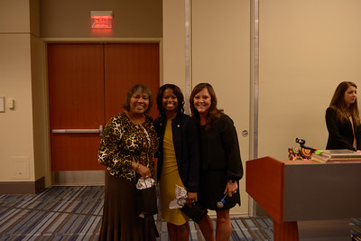 Ebony Hinton (center), her mother Donna (left) and Jane Albright