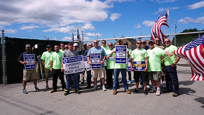 National Grid employees, United Steel Workers on strike in Lowell.