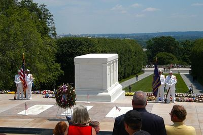LAYING WREATHS AT THE TOMB OF THE UKNOWNS