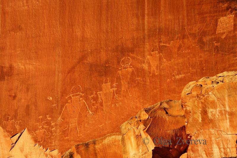 <p>Petroglyphs, Capitol Reef National Park, Utah, USA</p>