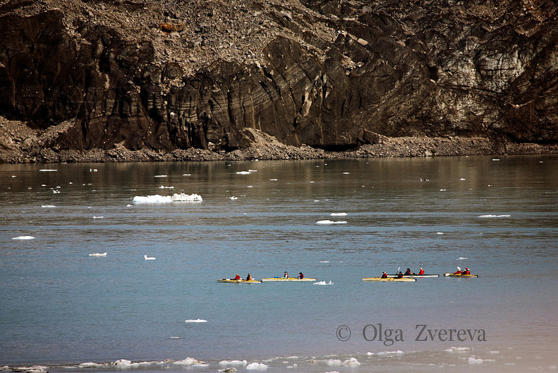 <p>Kayakers, Glacier Bay National Park, Alaska, USA</p>