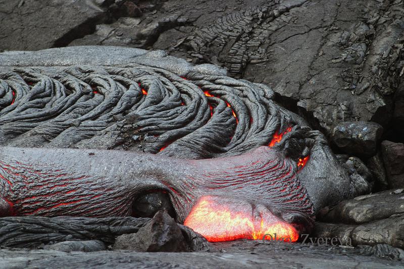 <p>Molten lava texture. Kilauea volcano, Hawaii Volcanoes National Park, Big Island, Hawaii, USA<p>