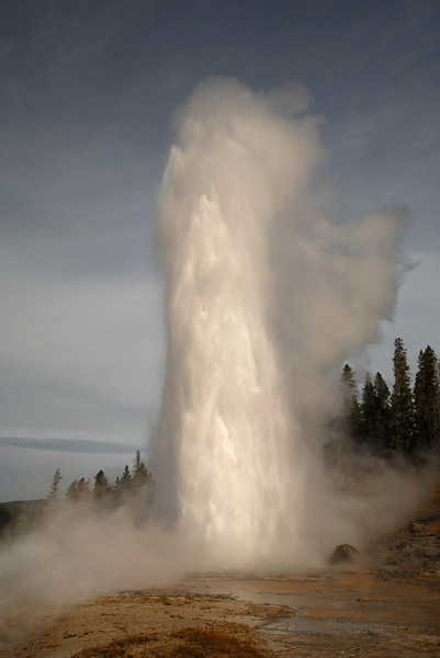 <p>Grand Geyser, Upper Geyser Basin, Yellowstone National Park, USA</p> <p>Grand's fountain reaches a height of as much as 200 feet (60 m), with a duration of 9–12 minutes.</p>