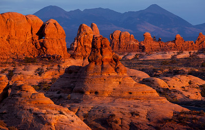 Sunset Arches NP Lasal Mountains_1528