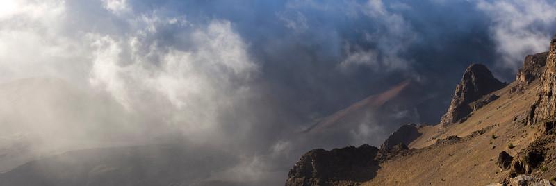 Haleakala clearing sunrise_Panorama1