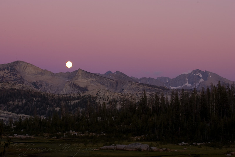 Moonrise over Vogelsang Peak and Mts Lyell, Maclure, and Florence.  Copyright © 2008 James McGrew.