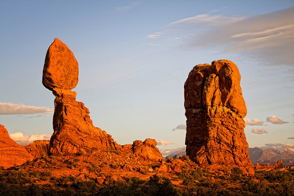 Balanced Rock in the late afternoon in Arches National Park, Utah (October 2008)