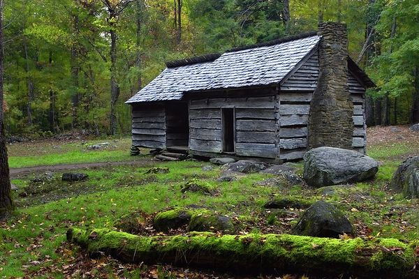 Ephraim Bales Cabin on Roaring Forks Motor Nature Trail, Great Smoky Mountains National Park, Tennessee.